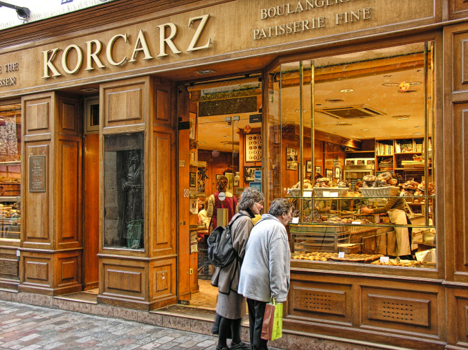 The Korcarz bakery in Rue des Rosiers